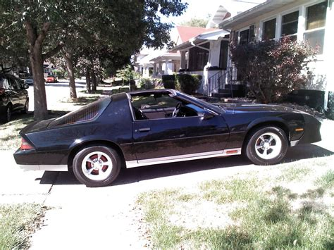 camaro 1984 z28 1984 chevy camaro iroc z28 pictures to pin on