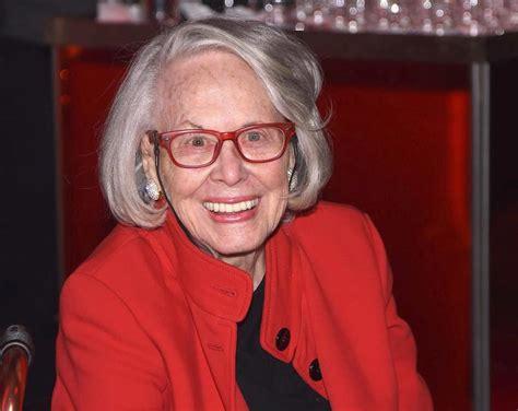 Sunday Gossip Smith by Liz Smith Former Daily News Gossip Columnist Dead At 94