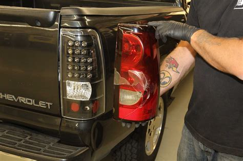 2005 chevy silverado tail light assembly tail light wiring harness 2002 avalanche wiring diagram