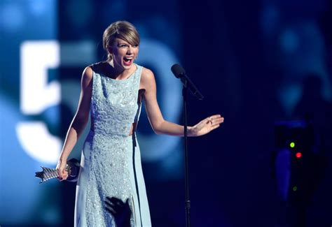 country music 2015 list taylor swift at academy of country music awards 2015 in