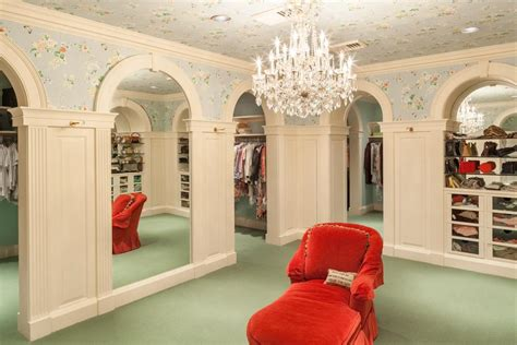 Big Walk In Closets by 7 Room Lady S Closet In Luxury Home Smart E Plans