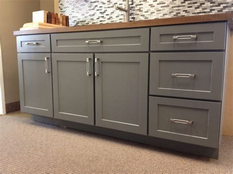 Fashioned Kitchen Cabinets by Amazing Shaker Door Kitchen Cabinets Painted Style