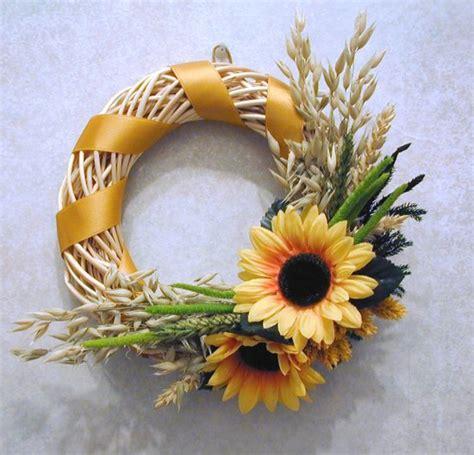 ghirlande di fiori 10 idee per decorare la casa con i fiori secchi tutto