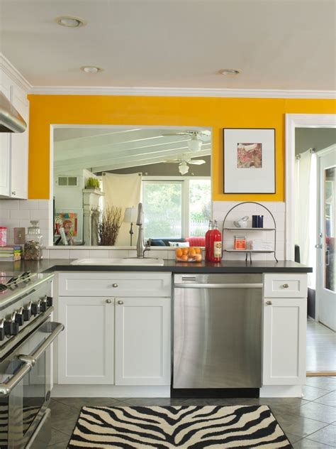 yellow kitchen ideas   TjiHome