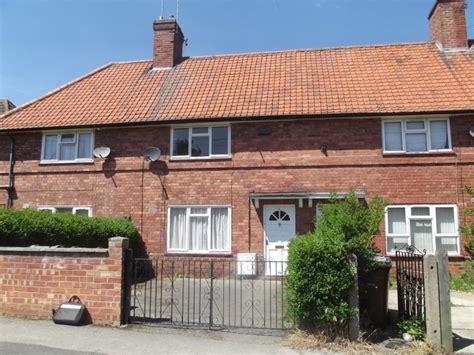 2 bedroom house in nottingham 2 bedroom terraced house for sale in wensor avenue