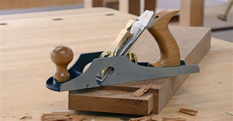 how to use a bench plane bench rabbet plane lie nielsen toolworks