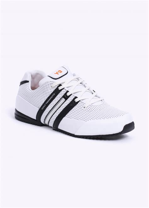 Kaos Adidas Classic 2 adidas y 3 sprint classic ii trainers white