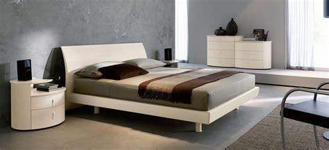 arredare il letto come arredare una da letto i consigli sull arredo