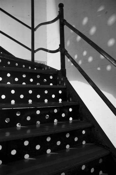 11 Beautiful Staircase Inspired by Polka Dot Design