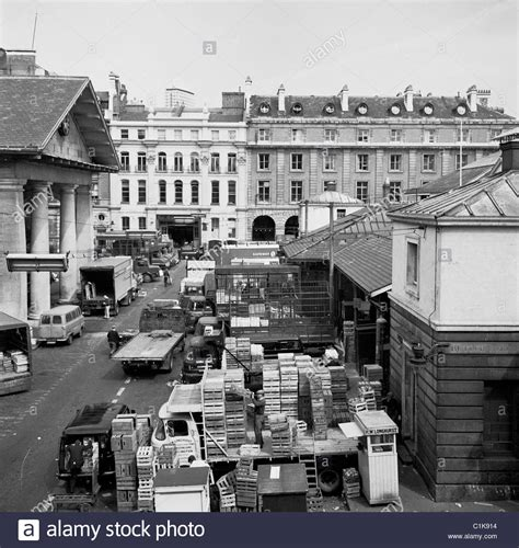 Covent Garden Market London As Seen In The 1950s A Covent Garden Vegetable Market