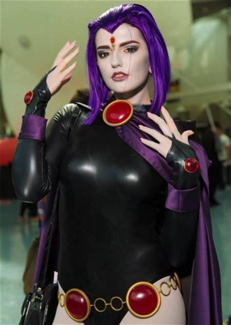 dos imagenes juntas latex hide geek sexy cosplay ladies ragtag riot