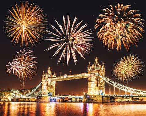 best firework display the 15 best fireworks displays in this bonfire
