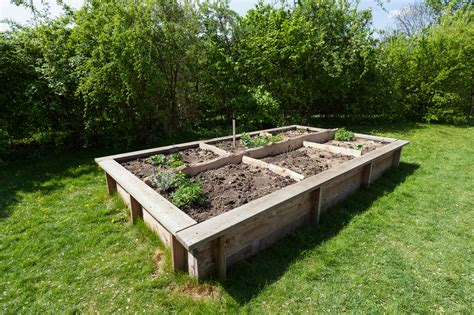 How To Build A Raised Garden Bed With Sleepers by How To Build Raised Garden Beds Tips For Raised Bed