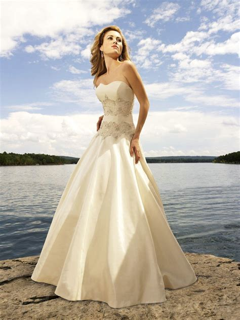 Ivory Beach Wedding Dresses   Wedding and Bridal Inspiration