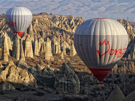 camini delle fate mongolfiera vacanze estive in turchia la cappadocia in mongolfiera