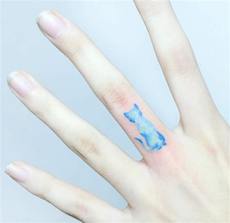 finger tattoo yahoo 40 awesome finger tattoos for men and women tattooblend
