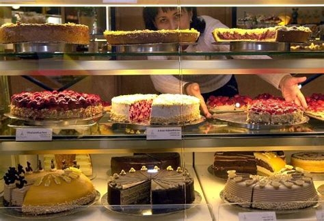 kuchen vitrine international food week willamette world news