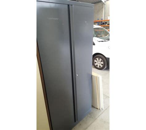 lot de chaises 2180 armoire m 233 tallique grise anthracite 2 portes faillites info