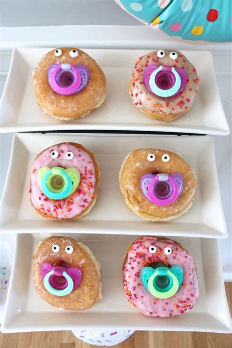 Baby Shower Snacks by Best 25 Baby Shower Foods Ideas On Food For