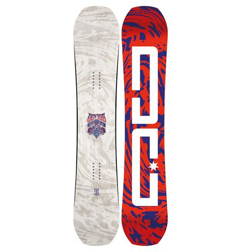tavole snowboard dc sullo snowboard con stile tavole e boots dc snowboarding