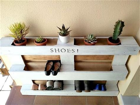 Shoerack Bench 10 Recycled Pallet Shoe Racks Recycled Pallet Ideas