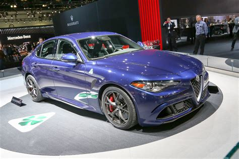 Alfa Romeo Giulia Configurator by 2017 Alfa Romeo Giulia Configurator Launches Motor Trend