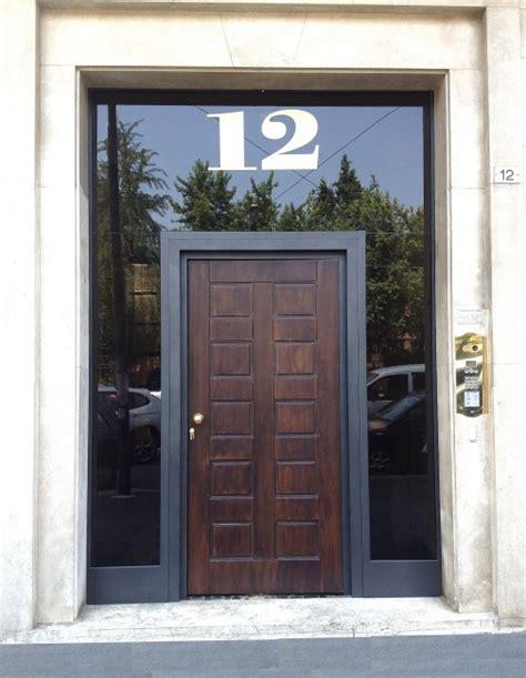 portoni d ingresso in ferro illuminazione portone ingresso portone d ingresso modello