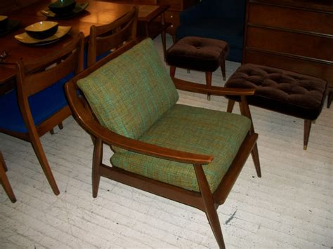 libro 100 midcentury chairs and walnut mid century modern danish lounge chair an orange moon uber hip vintage furniture