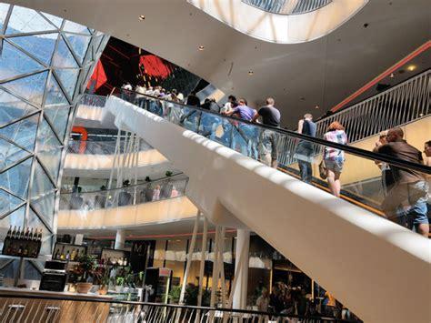 zeil saturn zeil shopping promenade frankfurt tourism