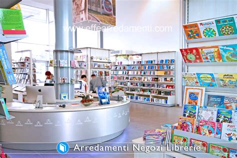 librerie mondadori firenze arredamenti per negozi di libri e librerie effe arredamenti