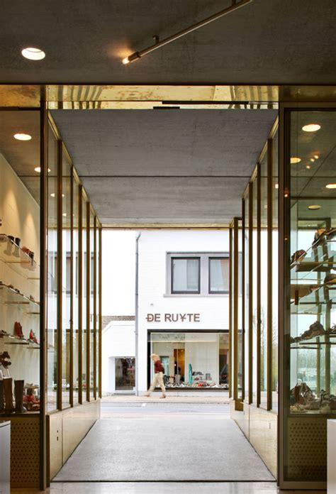 bis architectuurwedstrijd laureaat schoenwinkel met