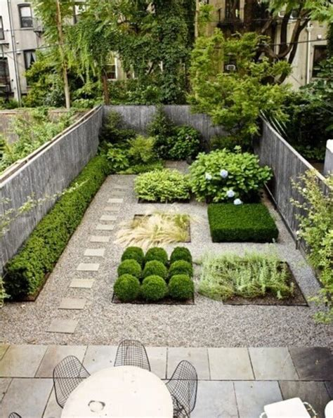 Landscaping For A Small Backyard by 35 Wonderful Ideas How To Organize A Pretty Small Garden Space