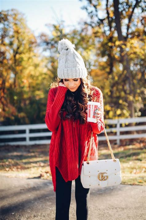 casual christmas outfits  wear  holidays