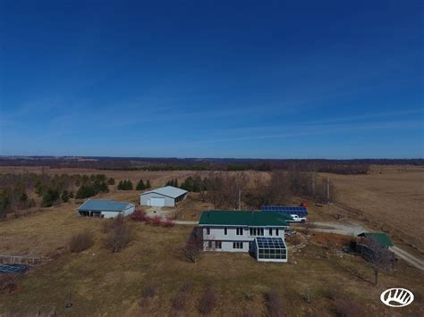 Secluded Hobby Farm Setup and Home In Southeast Minnesota   Whitetail Properties