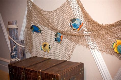 Fishnet Decorating Ideas by Use Accessories To Create Kid S Room Theme