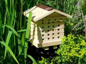 29 beautiful backyard bee hives