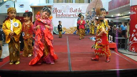contoh baju adat anak  berbagai daerah  indonesia