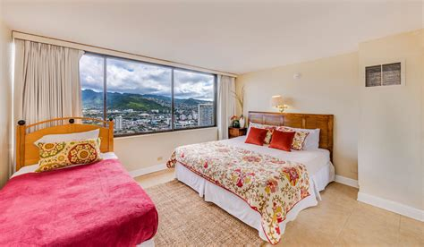 2 bedroom holiday apartments waikiki hawaiian monarch penthouse 104 2bed hawaii ocean