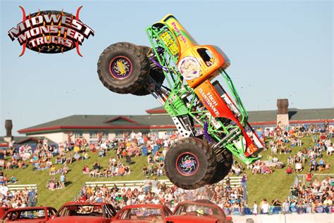 monster truck show maine monster truck throwdown oxford maine august 17 18 2013