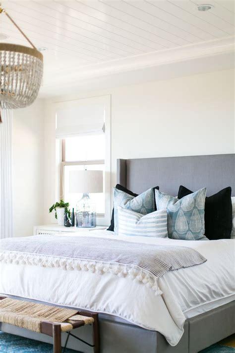 coastal bedrooms ideas best 25 decorative bed pillows ideas on pinterest