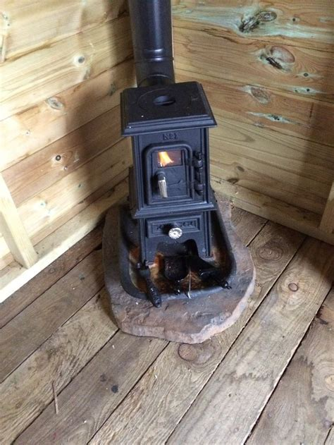 TINY STOVE: The Pipsqueak   Tiny Wood Stove