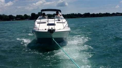 tow boat canada c tow marine assistance towing boating salvage in ontario