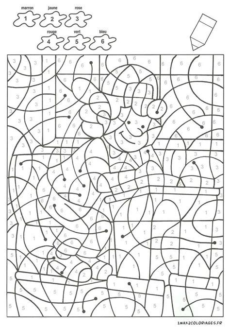 Colorier avec les nombres avec 6 couleurs, Un élève en