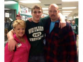 Jake T Parents Logan Paul Heads To States With A Sendoff And A Shiner