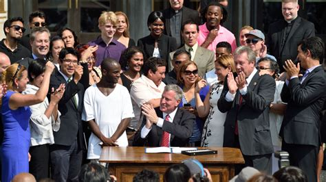 Nys Gift Card Law - de blasio signs new york city identity cards into law animal