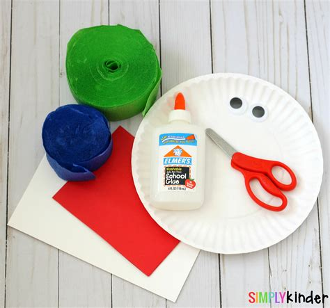 how to make paper plate crafts how to make a paper plate earth day craft simply kinder
