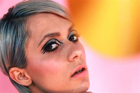 eyeliner tutorial buzzfeed go retro with this 1960s makeup tutorial