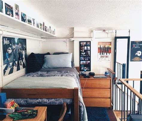 his rooms 20 items every needs for his photo displays