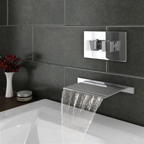 wall mounted waterfall bath faucet
