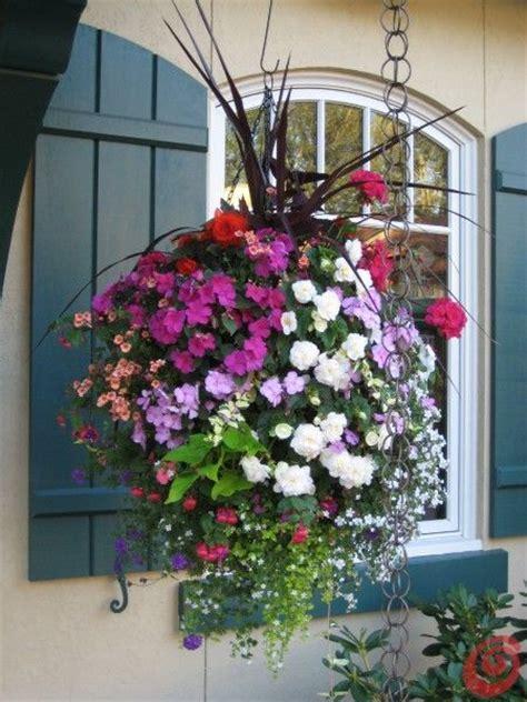 vasi di fiori in giardino oltre 25 fantastiche idee su vasi da fiori su